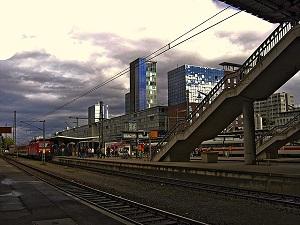 railway-station-65057_640